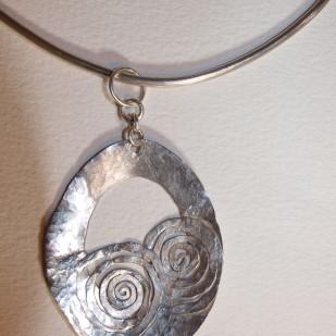 peeping silver spirals